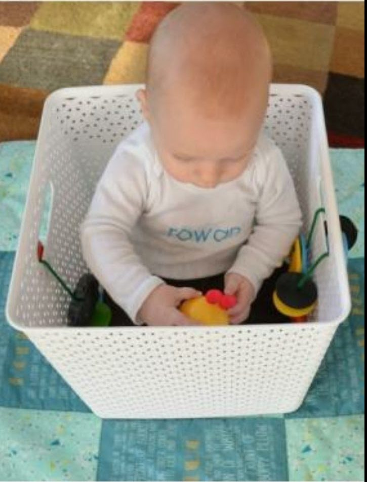 IMPARO A STARE SEDUTO Attività di gioco per Sitters (bimbi dai 6 mesi di età)